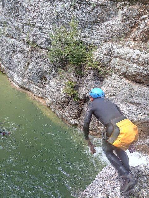 Salto en el barranco de Poyatos